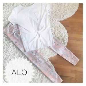 {Alo} snake print yoga leggings